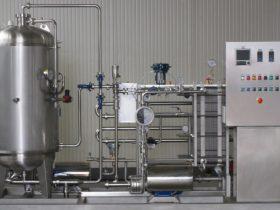 Pastorizzatore semi-automatico a tre stadi 1000 l/h per birra